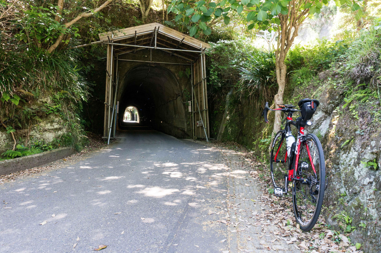 鵜原理想郷の入口トンネル