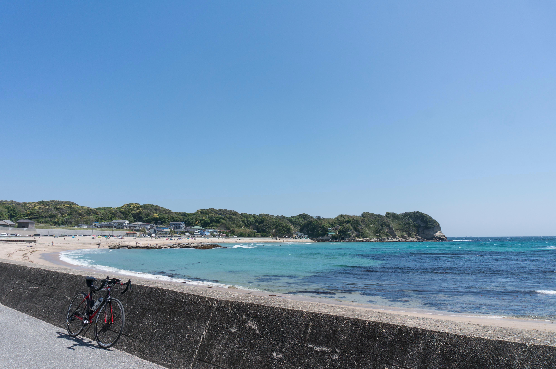 守谷海水浴場の景色とロードバイク
