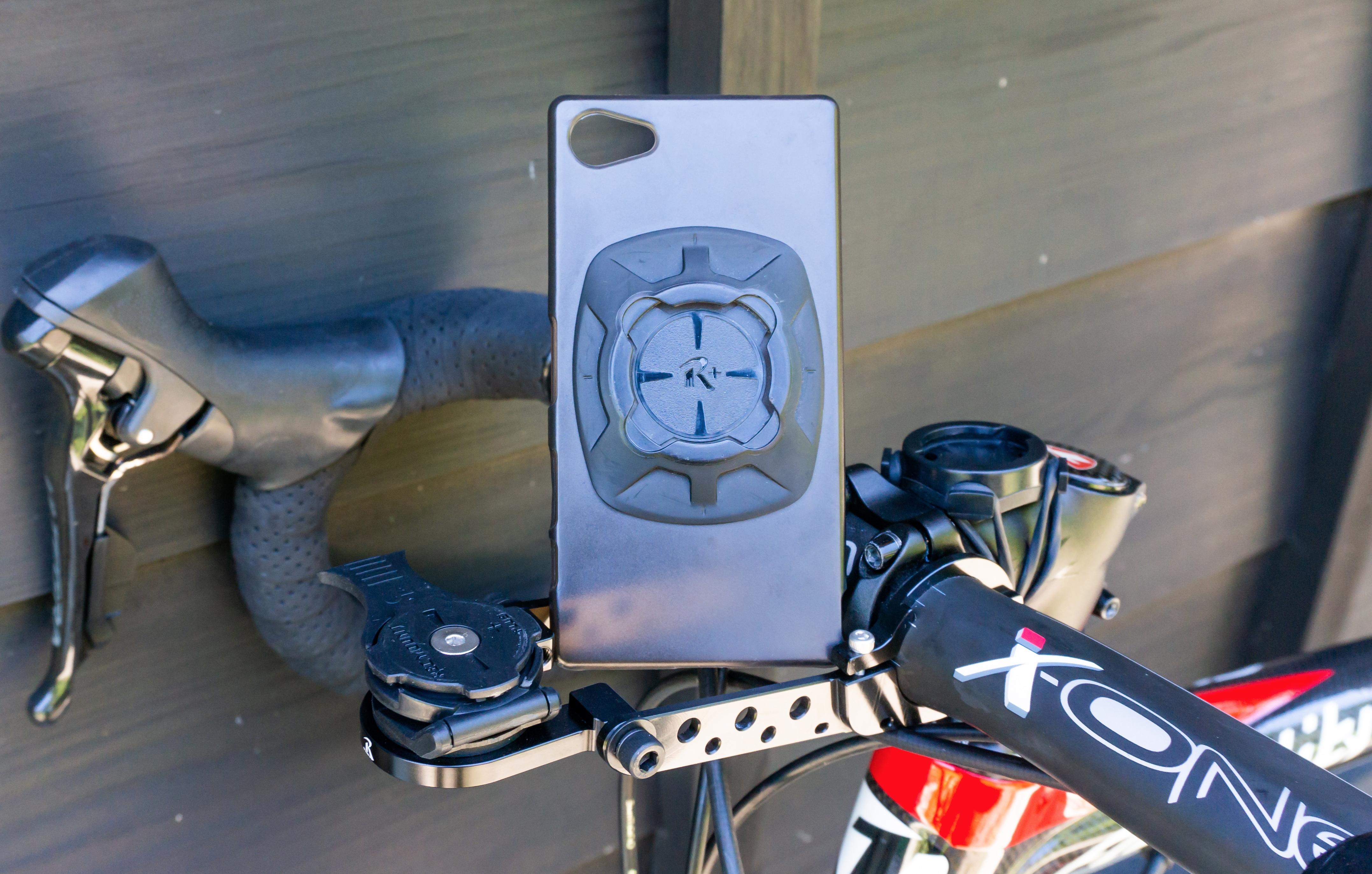 自転車と専用のスマホホルダー